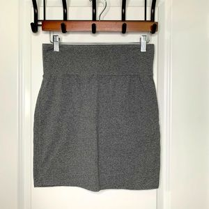 Tally's Large Gray Stretch Skirt